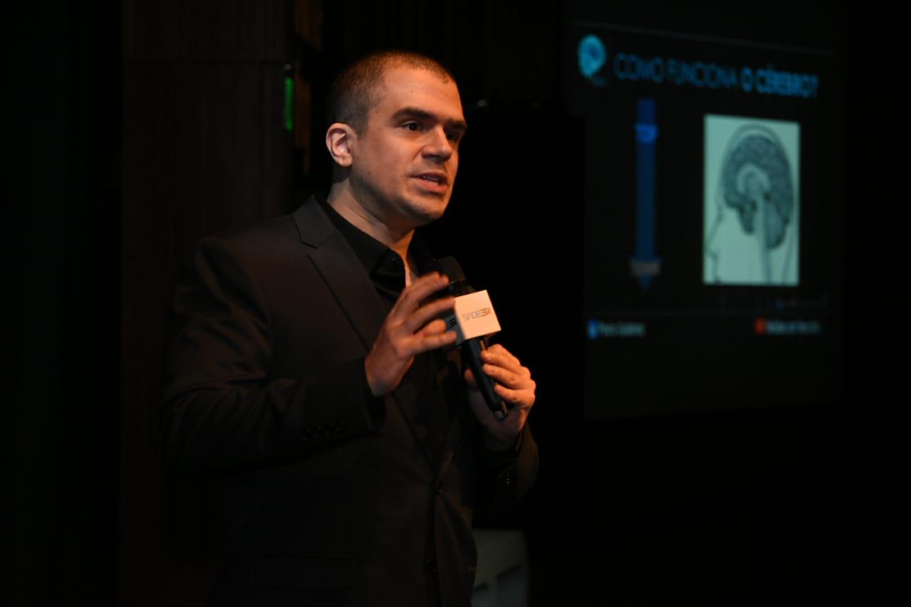 Pedro Calabrez explora as potencialidades do cérebro na liderança no SADEBR