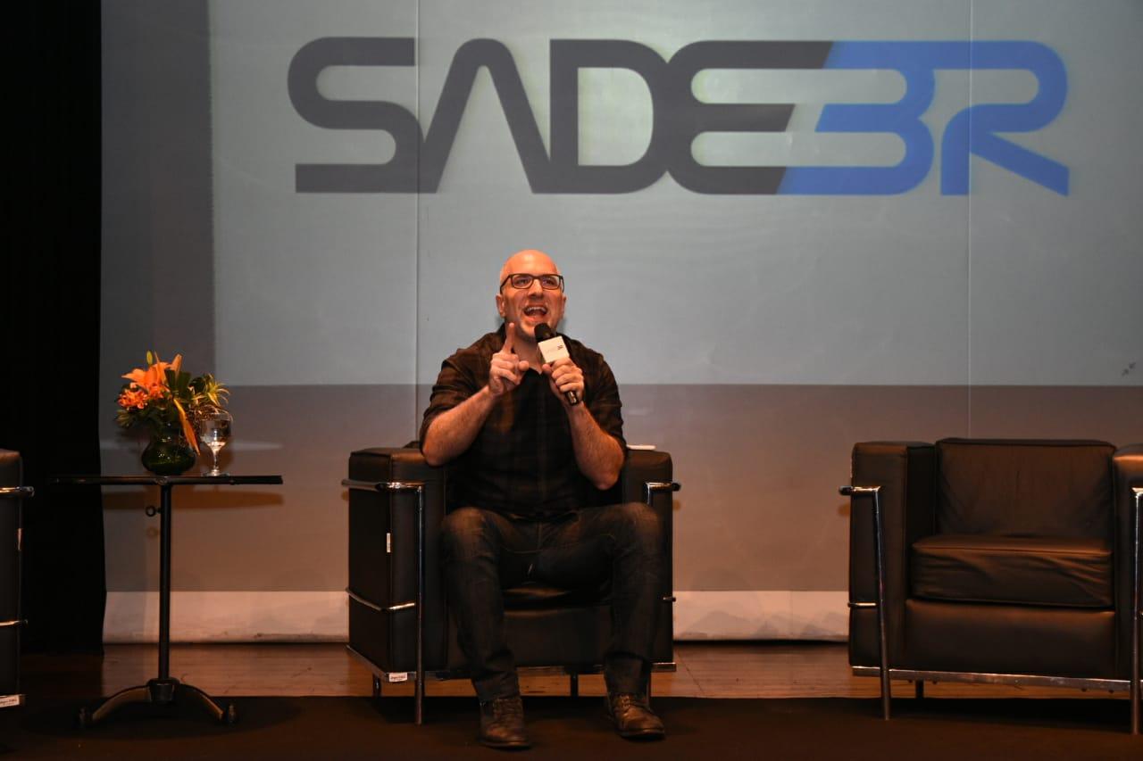 Antônio Tabet, do Porta dos Fundos, participa do SADEBR